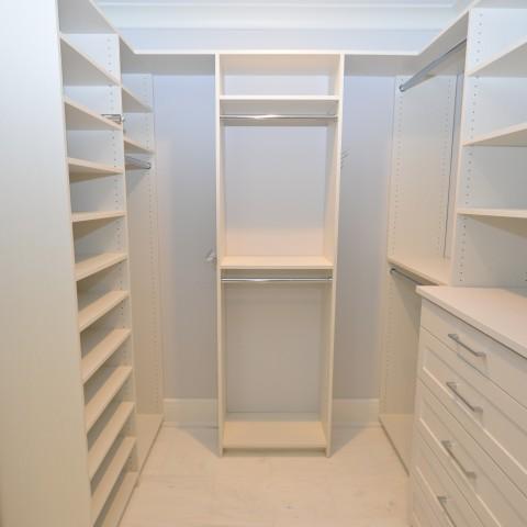 4V Master Closet