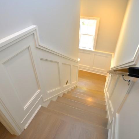 15V stairwell